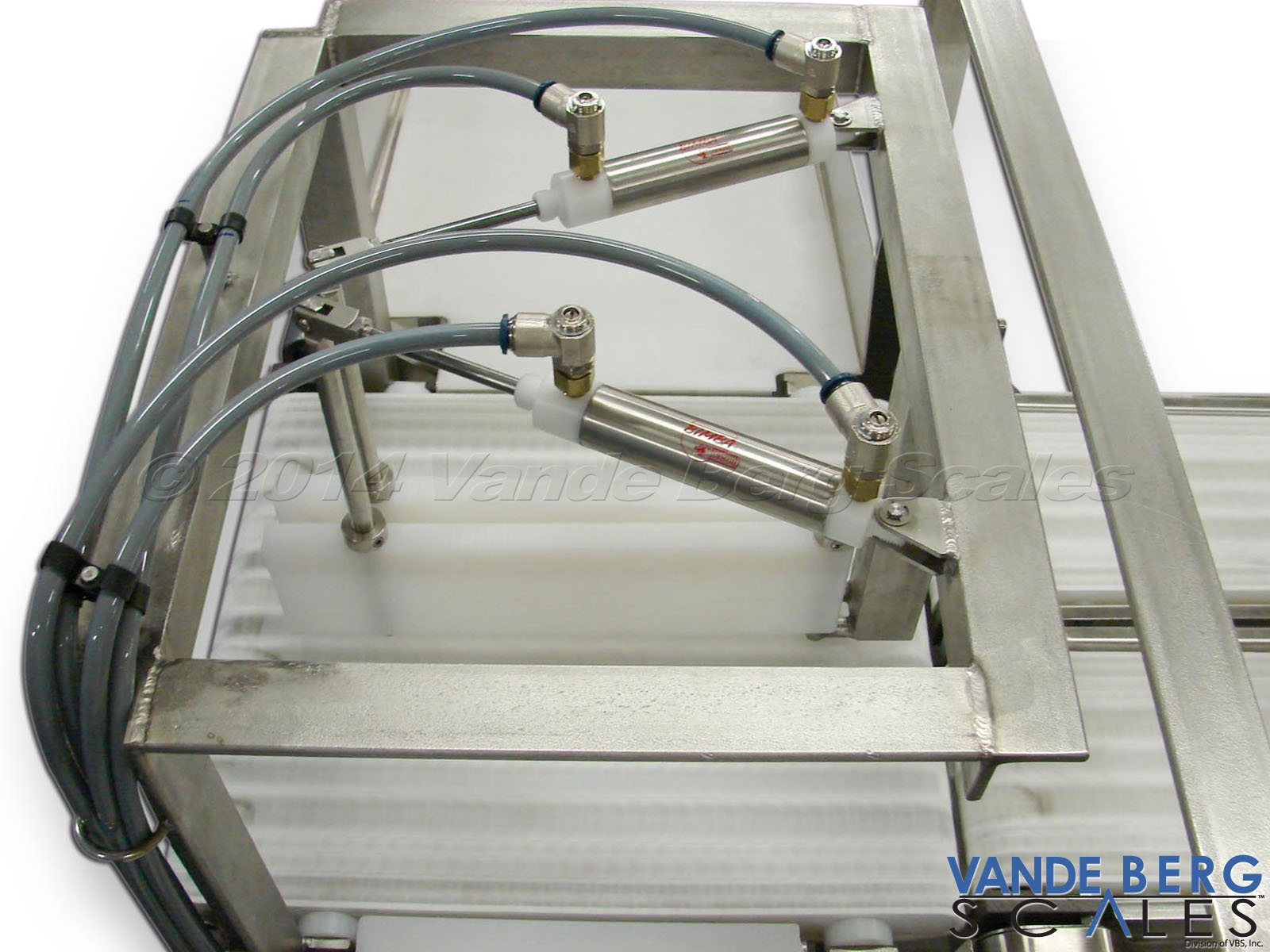 Overhead Gate Diverts will remove out-of-spec product from a dual-lane checkweigher