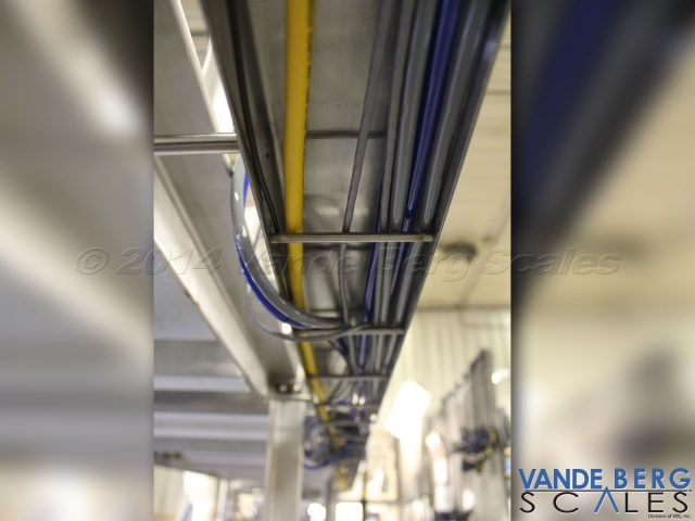 Wire raceways hide cables, hoses and wires ensuring protection during washdown.